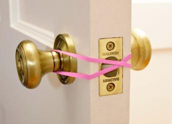rubber-band-door-stop-new