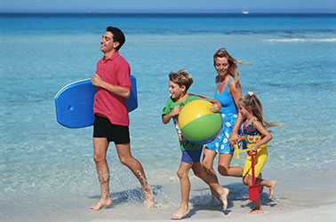 family_beach_run