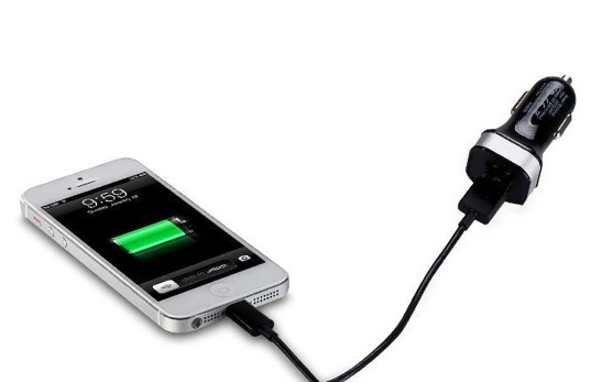 Momax XC Series Dual USB Car Charger for Apple iPhone 5 06