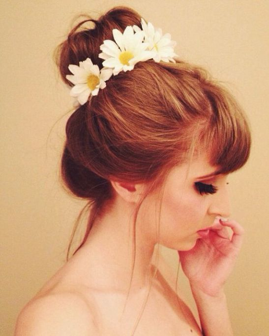 Creative-ideas-of-Daisy-flower-hairstyle-decoration-14